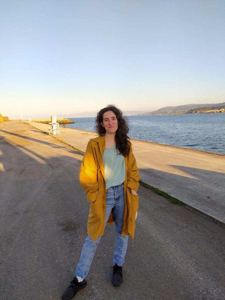 """Laura Ramos Cuba, recibiu un accésit grazas á obra """"rascamaceiras"""""""