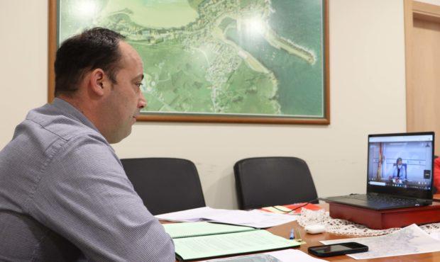 Reunión de Walter Pardo con Ethel Vázquez.